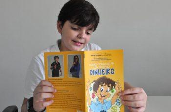 Garoto de 11 anos lança livro de Finanças Pessoais