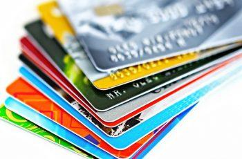 Os benefícios de cartões de crédito que poucos conhecem